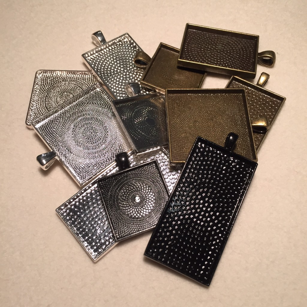A selection of square and rectangular pendant trays.
